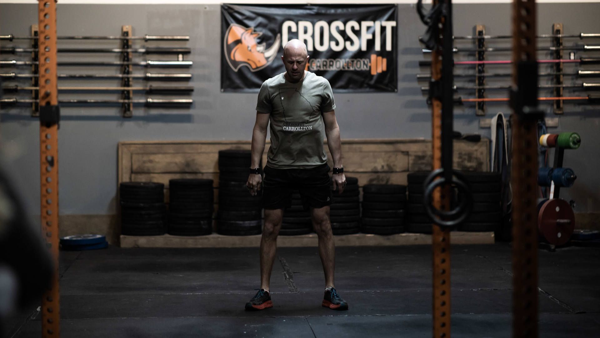 man preparing to exercise in a crossfit gym in carrollton ga